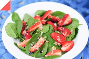 DELICIOUS STRAWBERRY SALAD
